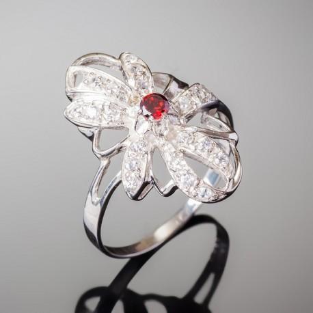 Серебряное кольцо Магнолия (красный)