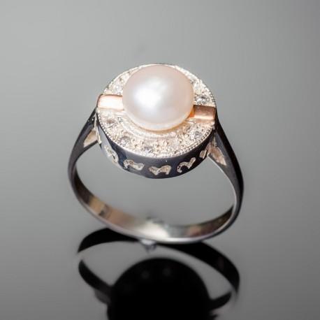 Серебряное кольцо Каприз (белый)