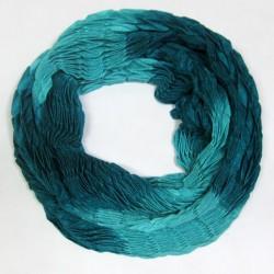 Двухцветный вязаный шарф-хомут, жатый узор