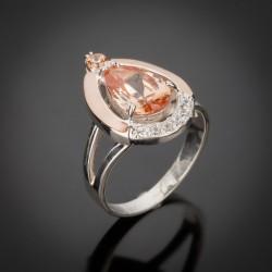 Серебряное кольцо Капля со вставками из золота и циркония