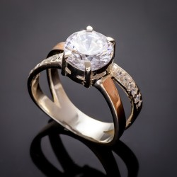 Женское серебряное кольцо Мария с цирконием