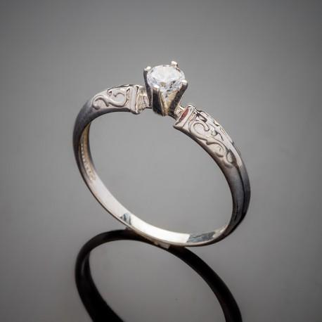 Серебряное кольцо Алмаз