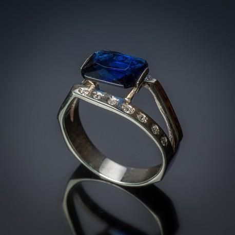 Кольцо из серебра Богема синий