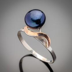 Серебряное кольцо Лана с золотом и жемчугом