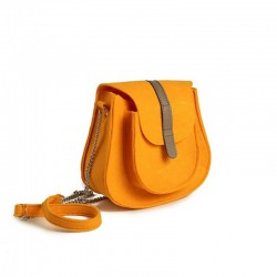 Небольшая сумочка-клатч из цветного войлока