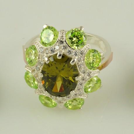 Серебряное кольцо Султана (салатовый)