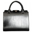 Стильная сумка в классическом стиле под рептилию
