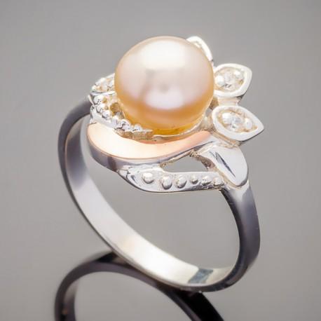 Серебряное кольцо Пава с жемчугом