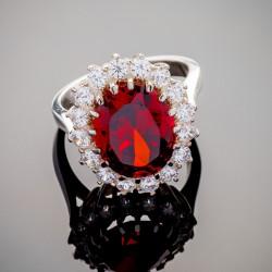 Серебряное кольцо Каролина с камнем (красный)