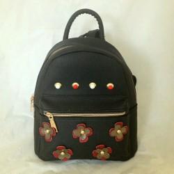 Черный рюкзак с аппликацией цветы