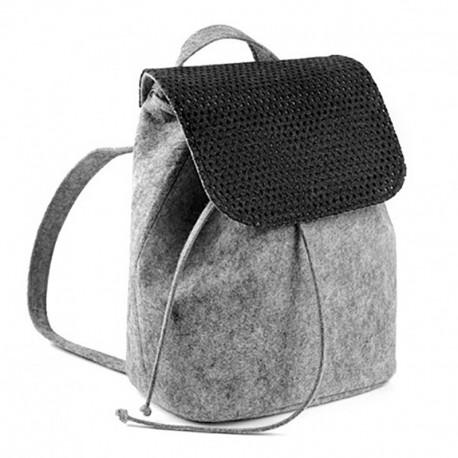 Модный войлочный рюкзак на кнопке с перфорацией (серый)