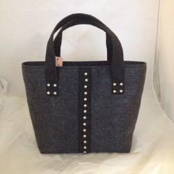 Женская сумка из темного войлока