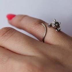Cеребряное кольцо Котенок