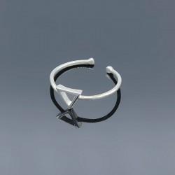 Серебряное кольцо Треугольник минимализм