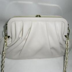 Женская сумка фермуар кремового цвета