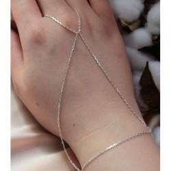 Женский серебряный браслет с петелькой на палец