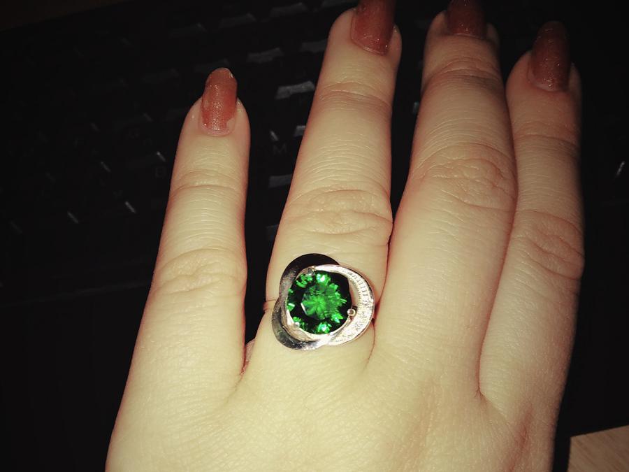 Кольцо Троянда зеленый фианит