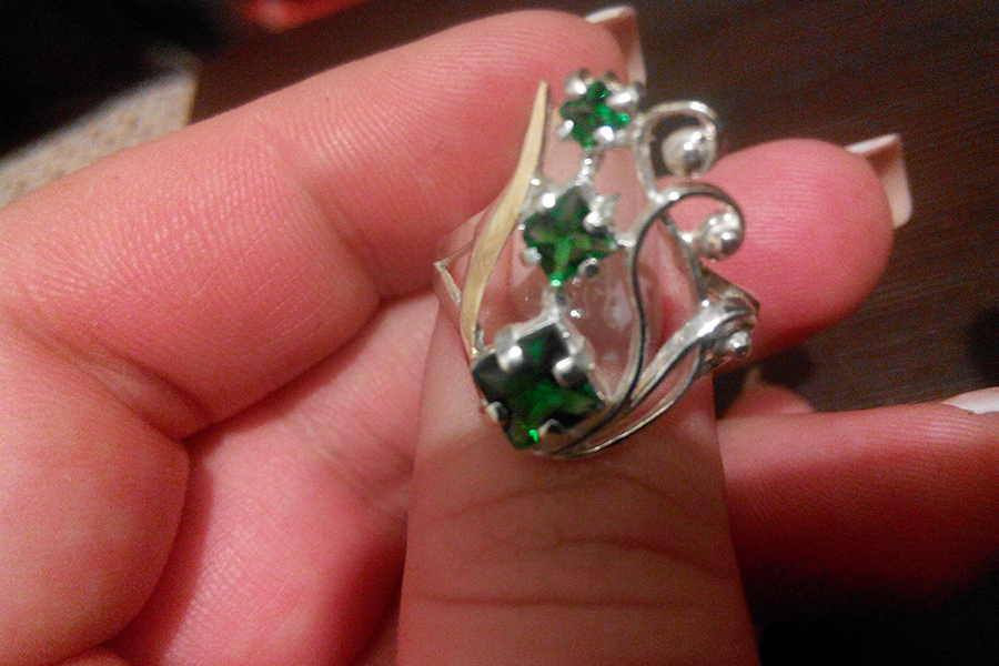 Кольцо с зеленым камнем Лира