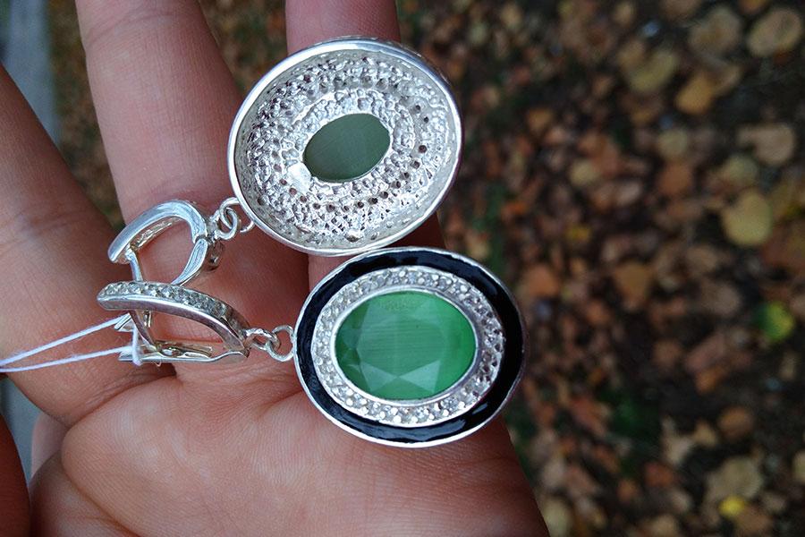 Серьги Земфира зеленый камень