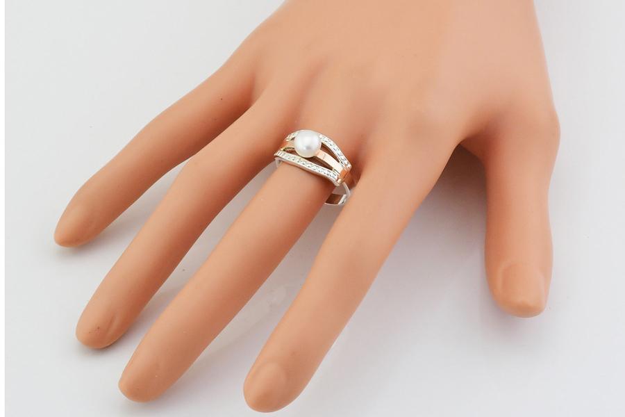 Серебряное кольцо с жемчугом Аврора